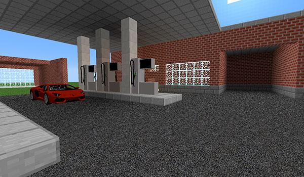 imagen donde vemos un jugador aparcando un deportivo en una gasolinera, en Minecraft.