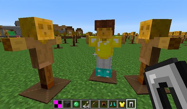 imagen donde vemos tres muñecos de entrenamiento, uno de ellos con diversas piezas de armadura.