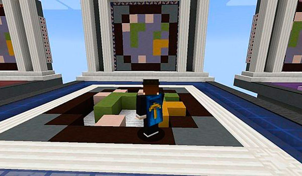 imagen donde vemos a un jugador replicando una figura del mapa replica 1.9.