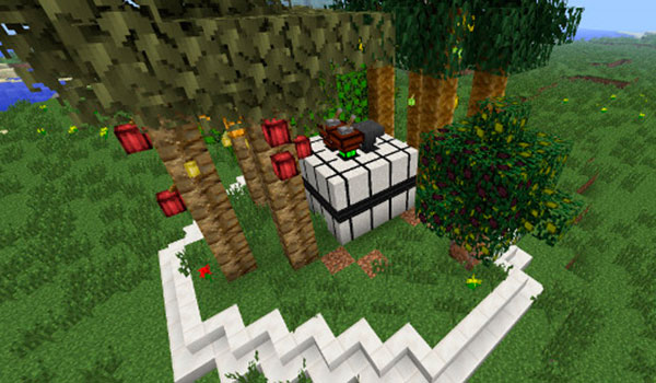 Imagen donde vemos un sistema automatizado para cultivar árboles en Minecraft, gracias al mod forestry 1.12 y 1.12.1.