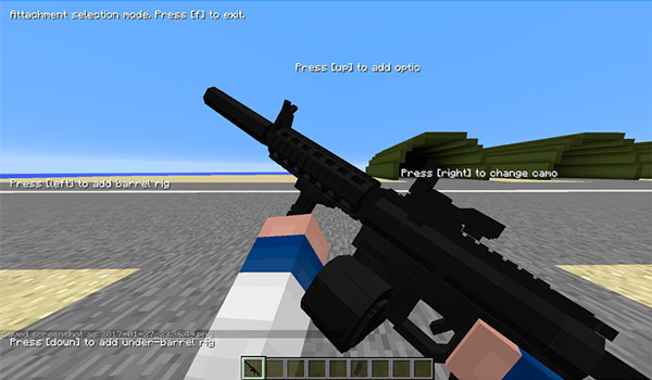 Imagen donde podemos ver un personaje de Minecraft utilizando una de las diversas armas de fuego que permite utilizar el mod Modern Warfare 1.12.2.