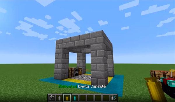 Imagen donde vemos como un jugador acaba de colocar en el mundo una estructura almacenada dentro de una de las cápsulas que añade el mod Capsule 1.12.2.