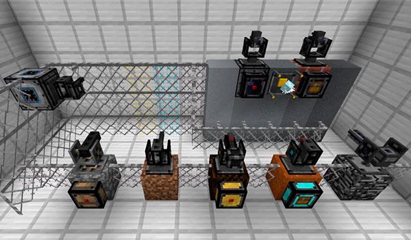 Imagen donde podemos ver las torretas defensivas y otros mecanismos de defensa que podremos utilizar con el mod Open Modular Turrets 1.12.2.