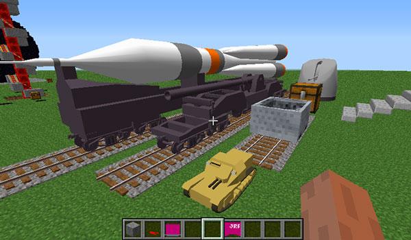 Imagen donde podemos ver algunos de los diversos tipos de vagones de mercancías que podremos utilizar con los trenes que añade el mod Real Train 1.12.2.
