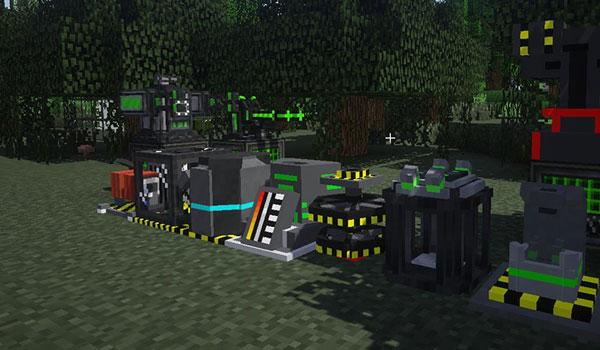 Imagen donde podemos ver algunas de las máquinas, que añade el mod Atomic Science 1.12.2, que nos permitirán experimentar con la física nuclear.