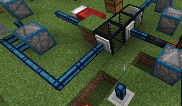Imagen donde podemos ver un ejemplo que muestra las tuberías y los tanques que nos ofrece el mod Cyclic 1.14.4.
