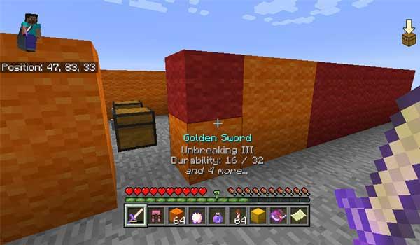 Imagen donde podemos ver las modificaciones en la interfaz de juego, basada en las ediciones de Minecraft para consolas, que ofrece el mod Console Experience 1.16.1, 1.16.2 y 1.16.3.