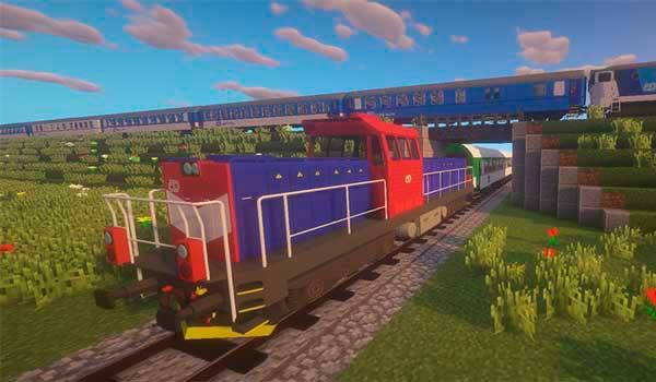 Imagen donde podemos ver dos trenes del mod Immersive Railroading 1.16.4 y 1.16.5, uno de mercancías y otro de pasajeros.